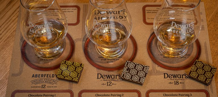 Image of whisky and chocolate pairing